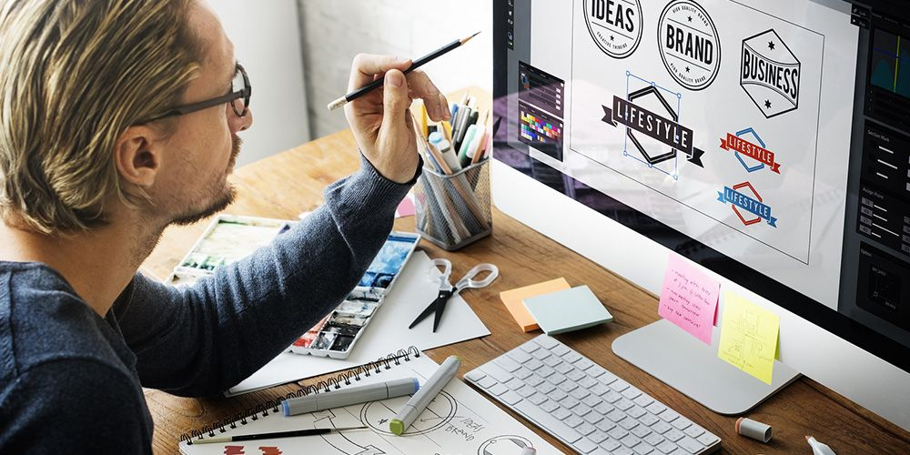 Logo & WordPress website – how to create & add it to your site